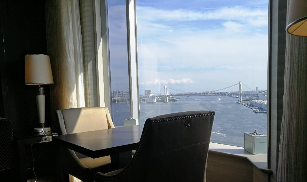 写真:レインボーブリッジ ホテルインターコンチネンタル東京ベイ クラブラウンジ