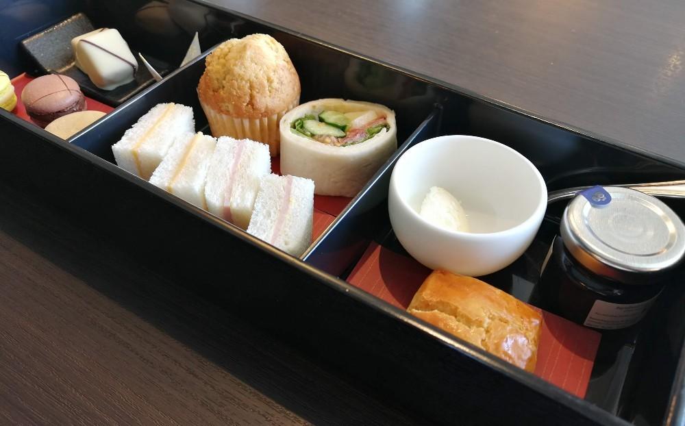 写真:アフタヌーンティー ホテルインターコンチネンタル東京ベイ クラブラウンジ