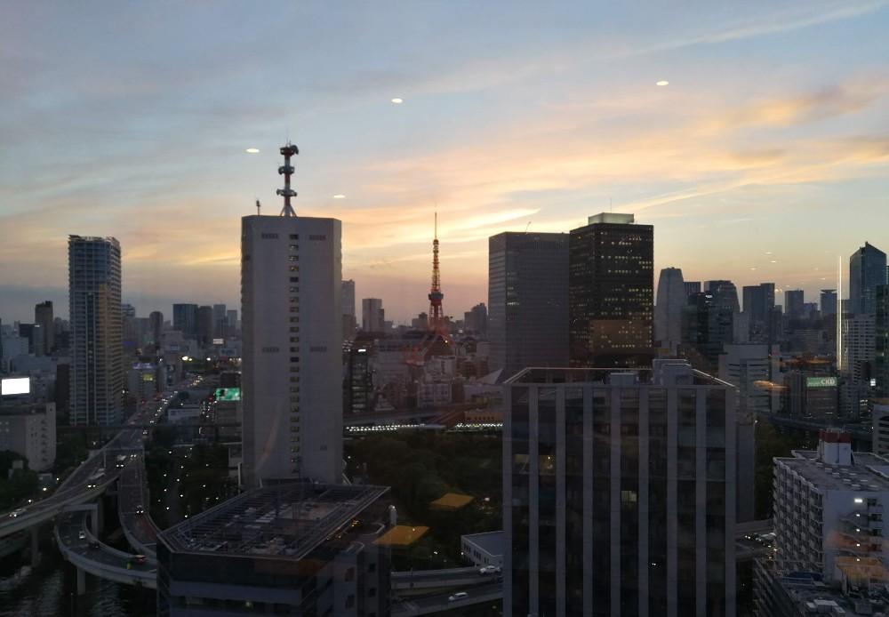 写真:クラブラウンジから見えた東京タワー ホテルインターコンチネンタル東京ベイ クラブラウンジ